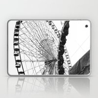 At The Fair: Round And R… Laptop & iPad Skin
