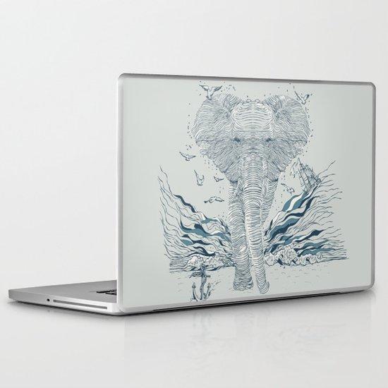 THE OCEAN SPIRIT Laptop & iPad Skin