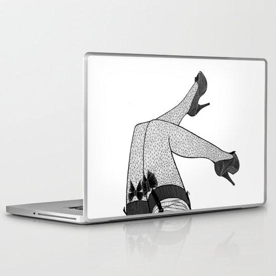 La femme 09 Laptop & iPad Skin