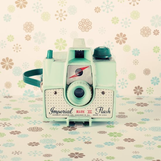 Mint Retro Film Camera on Beige - Cream Pattern Background  Canvas Print