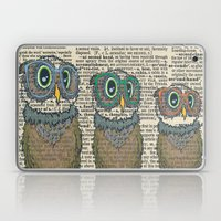 Owl wearing glasses Laptop & iPad Skin