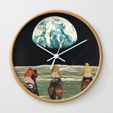 race for the prize Wall Clock
