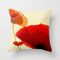 I fall in love Throw Pillow