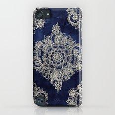 Cream Floral Moroccan Pattern on Deep Indigo Ink Slim Case iPod touch
