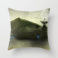 Leaf Peepers - Susan Wel… Throw Pillow