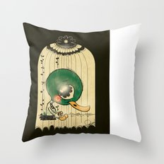 Chinese Idiom: Sitting Duck 插翅难飞  Throw Pillow