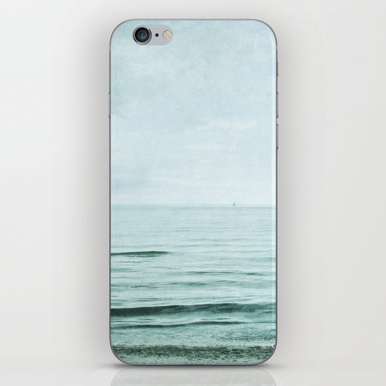 distance I iPhone & iPod Skin