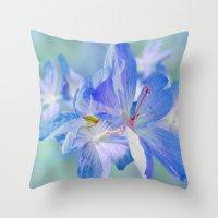 FLOWERS - Geranium Endre… Throw Pillow