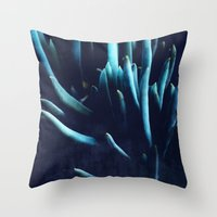 alien plants Throw Pillow