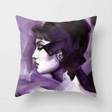 Lilas Throw Pillow