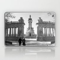 Couple at Madrid monument Laptop & iPad Skin