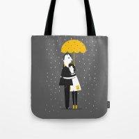 Abrazos bajo la lluvia Tote Bag
