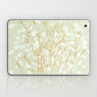 Coockie brown clover on green  Laptop & iPad Skin