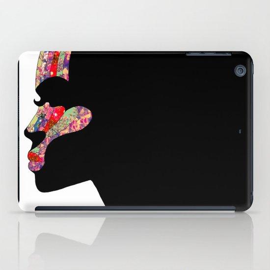 EL PERFIL iPad Case