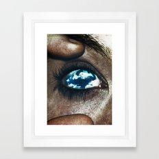 Ojos color cielo Framed Art Print