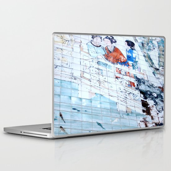 Gossip Queens Laptop & iPad Skin