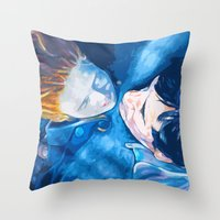 Caught by the light Throw Pillow