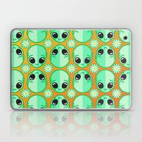 Happy Alien And Daisy Ni… Laptop & iPad Skin