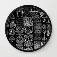 Ursietano Wall Clock