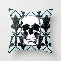 Skull Print Throw Pillow