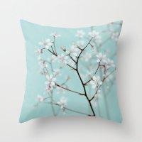 rêve floral Throw Pillow