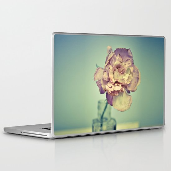 Pretty Flower 1 Laptop & iPad Skin