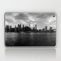 New York Skyline - Black… Laptop & iPad Skin