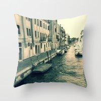 Venezia, where my heart is Throw Pillow