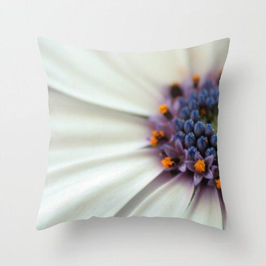Cap Daisy Macro Throw Pillow
