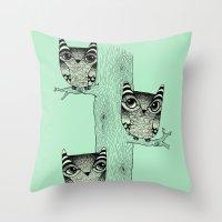 Owls (green) Throw Pillow