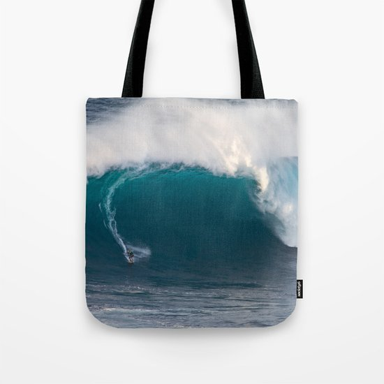 "Surfing ""Jaws"" (Pe'ahi) Tote Bag"