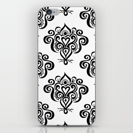 Bound heart pattern iPhone & iPod Skin