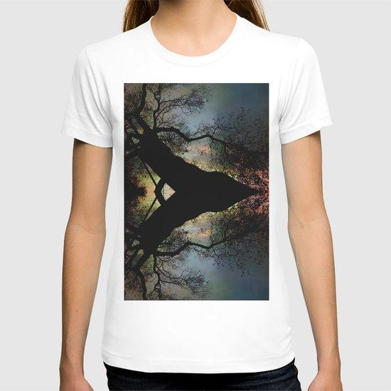 Night Fall by The Tree T-shirt