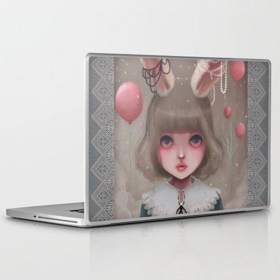 Juliette, balloons & pearls... Laptop & iPad Skin