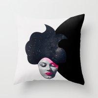Souffle de Cheveux Throw Pillow