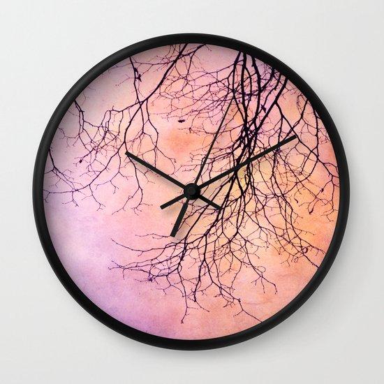 novembre Wall Clock