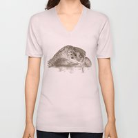 A Green Sea Turtle :: Ea… Unisex V-Neck