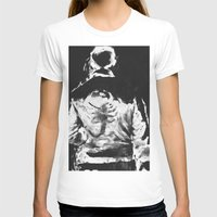 en lo blaco e negro Womens Fitted Tee White SMALL