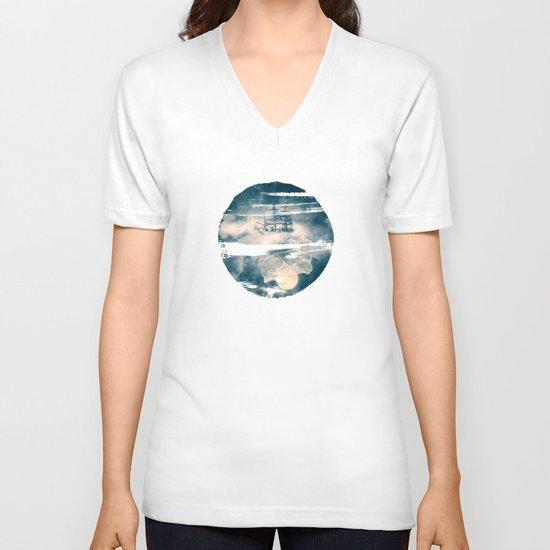I'll bring you the MOON V-neck T-shirt