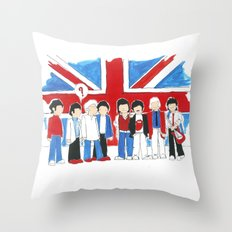 Les Petits Great Britain Throw Pillow