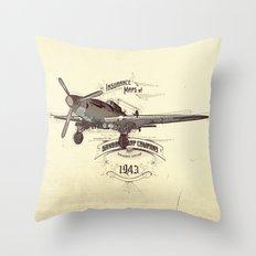 1943 caza Throw Pillow