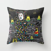 Abduccion! Throw Pillow