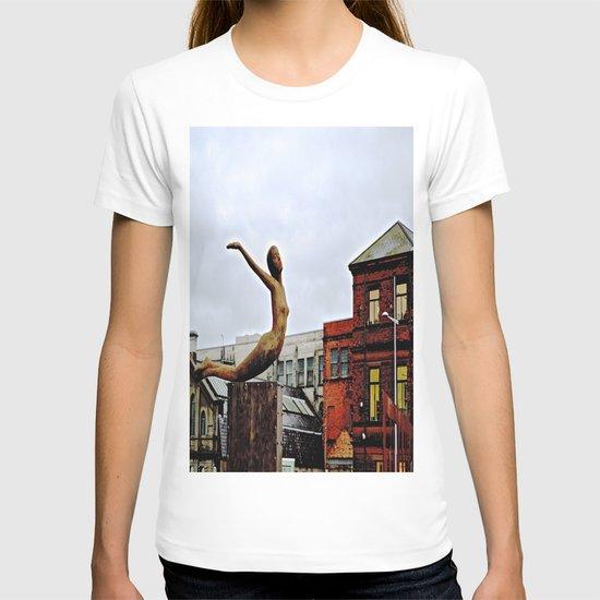She Flies Across Belfast T-shirt