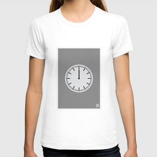 24 - Minimalist T-shirt