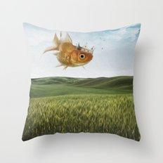 king fish Throw Pillow
