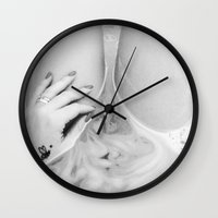 Stay Or Go? Wall Clock