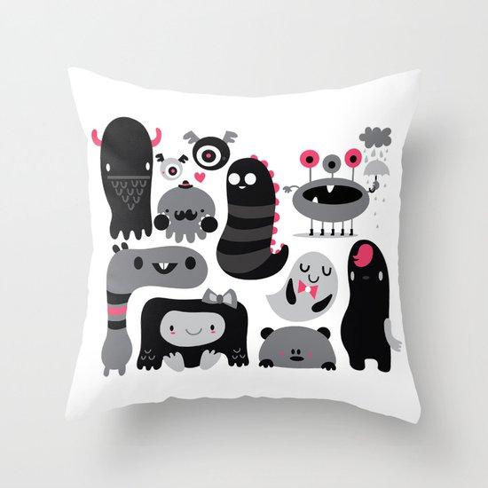 Monstruos Throw Pillow