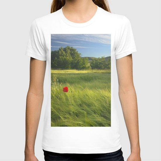 lonely poppies at the fields T-shirt
