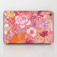 Detailed summer floral pattern iPad Case