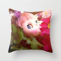 Bed flower Throw Pillow